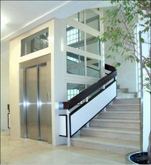 Edificios sin ascensor ascensores eguren kone for Ascensores para escaleras